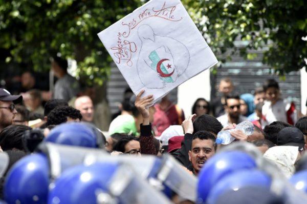 En Algérie, le chef de l'armée appelle au respect du calendrier de la présidentielle
