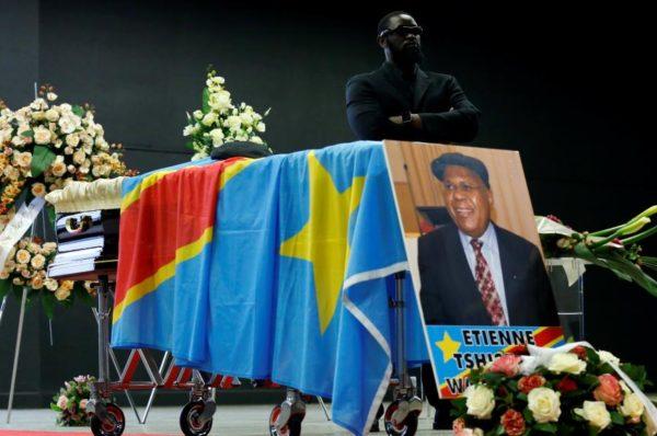 RDC : des dizaines de milliers de Congolais rendent enfin hommage à Étienne Tshisekedi