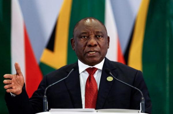 Covid-19 : Ramaphosa admet des « erreurs » dans la gestion de la pandémie