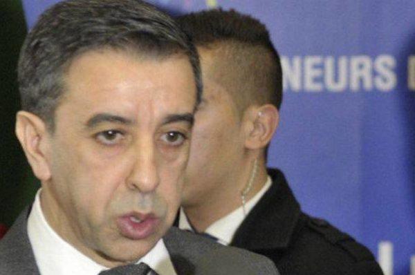 Algérie: les auditions des proches du régime se poursuivent