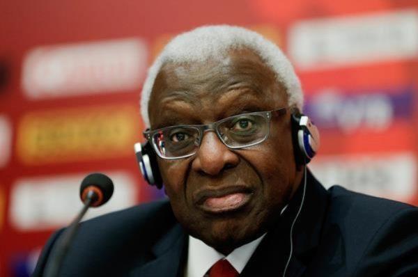 Corruption et dopage : la justice ordonne un procès à Paris contre l'ex-patron de l'athlétisme mondial Lamine Diack