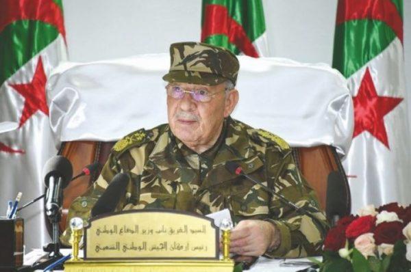Algérie : Gaïd Salah prévient que « personne ne sera épargné par les enquêtes anticorruption »