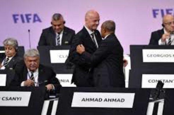 La FIFA devrait prendre en main le football africain