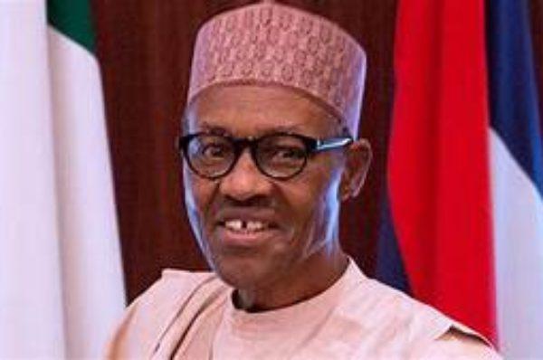 Le Nigérian Buhari signale quatre autres années comme le dernier
