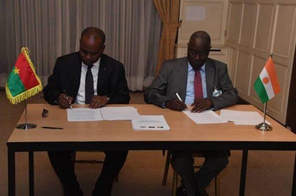Contre le terrorisme, l'union sacrée du Niger avec le Burkina