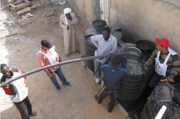 Dans la bataille pour le pétrole libyen, l'eau devient une victime