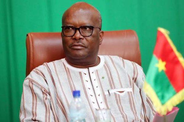 Roch Kaboré  : «Le Burkina reste debout et ne cédera pas une partie de son territoire»
