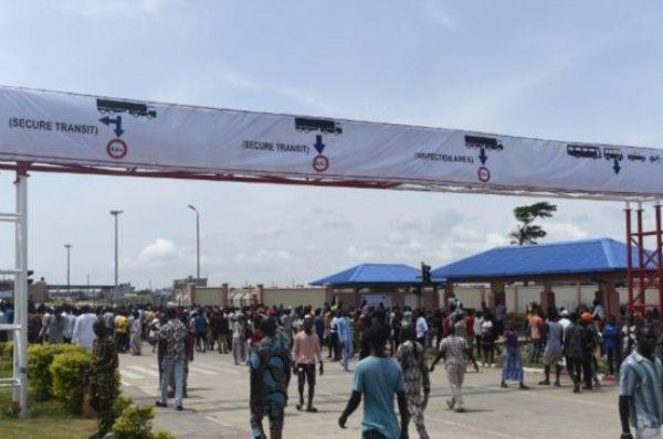 Nigeria : Buhari explique pourquoi il a décidé de fermer temporairement des postes frontières avec le Bénin et le Niger