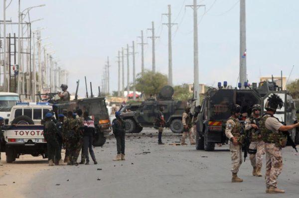 Deux attaques somaliennes frappent une base des forces spéciales américaines et un convoi italien