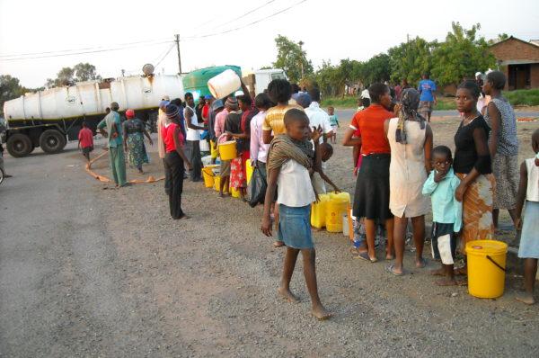 La capitale du Zimbabwe ferme sa principale usine d'alimentation en eau et les pénuries se profilent