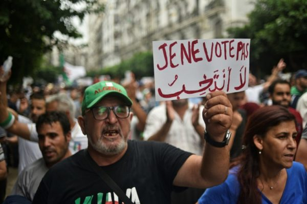 Les Algériens à nouveau mobilisés contre la présidentielle