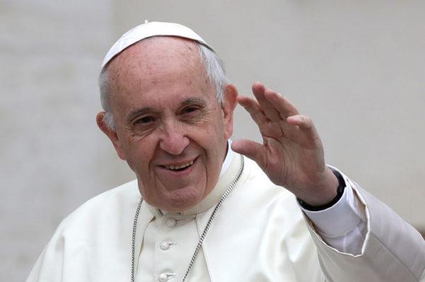 Le pape appelle à la fin de la guerre civile en Libye
