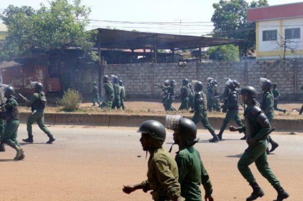 Guinée : climat de tensions à Conakry, paralysée par les manifestations