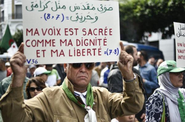 En colère contre les propos de Bensalah, les Algériens restent mobilisés dans la rue