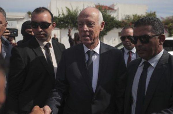 Présidentielle en Tunisie : Kaïs Saïed devancerait largement Nabil Karoui, selon les deux principaux instituts de sondages