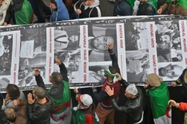 Algérie : nouvelles manifestations contre le «système», les journalistes en première ligne