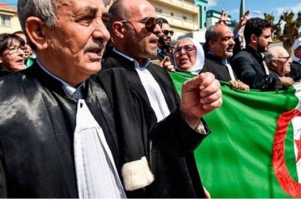 Algérie : après les incidents à Oran, les magistrats réclament la tête du ministre de la Justice