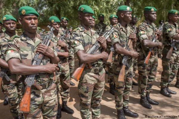 La colère des autorités burkinabè contre l'armée malienne