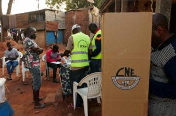 Guinée-Bissau : les électeurs aux urnes pour une présidentielle à l'issue incertaine