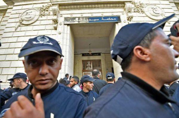 En Algérie, ouverture du premier procès pour corruption d'anciens dirigeants et patrons