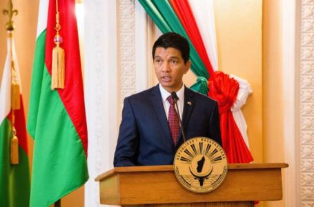 Madagascar's President Andry Rajoelina delivers a speech during a press conference at the Iavoloha presidential palace in Antananarivo, on April 29, 2019. (Photo by Mamyrael / AFP)