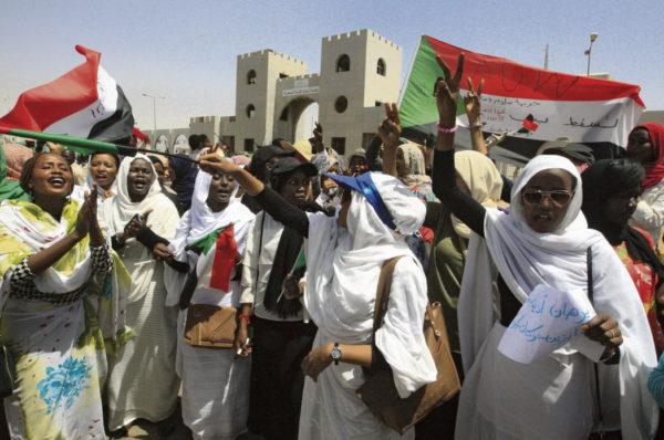 Le Soudan étudie la levée des subventions sur les carburants