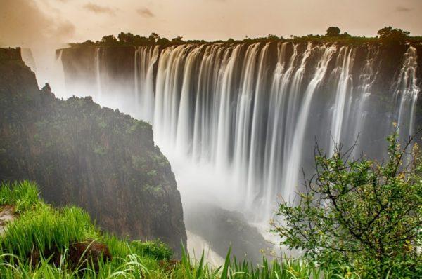 Les chutes Victoria se réduisent à un filet, alimentant les craintes liées au changement climatique