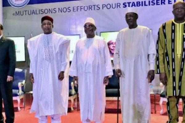 Les chefs d'État du G5 Sahel en sommet extraordinaire à Niamey après la tuerie d'Inates