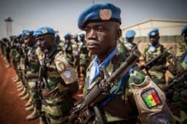 Washington veut réduire la mission de l'ONU au Mali, Paris et Moscou la défendent