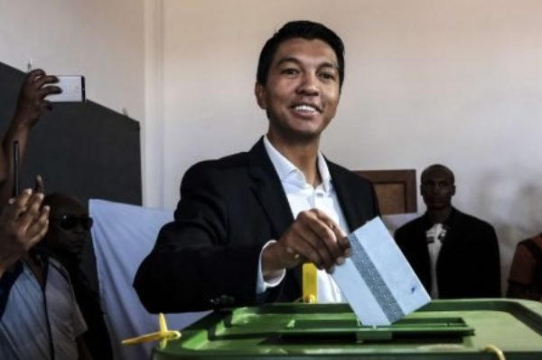 Madagascar : le Sénat saisit la Cour constitutionnelle contre le président Rajoelina