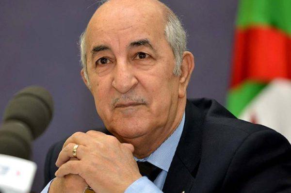 Vives critiques en Algérie après des propos d'Emmanuel Macron, accusé « d'ingérence »