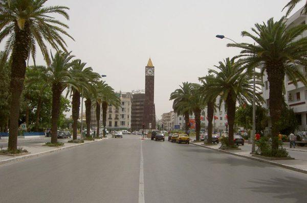 La Tunisie assouplit le couvre-feu alors que l'épidémie de virus ralentit