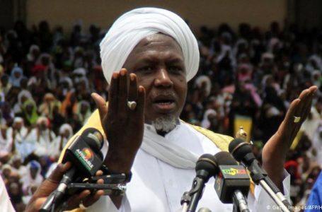 Imam Mahmoud Dicko, le 12 août 2012 à Bamako, lors d'un rassemblement de ses fidèles dans la capitale malienne