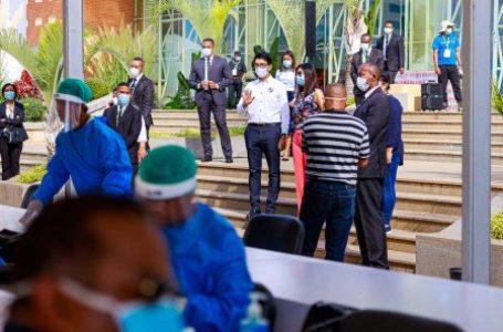 Le président Andry Rajoelina, lors d'une opération de test au coronavirus, à Antananarive le 31 mars 2020. © DR / Présidence de la République de Madagascar