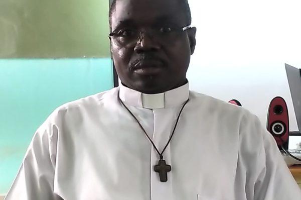 Père Paul Dah : « Le Covid19 pose des questions essentielles et l'Eglise a vite pris des mesures et directives »