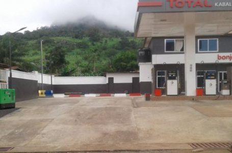 Total vend ses réseaux de stations-service au Liberia et en Sierra-Leone