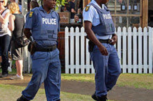 L'Afrique du Sud affirme que la police a été victime de ventes d'alcool après l'interdiction de l'alcool contre les coronavirus