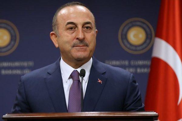 Le chef de la diplomatie turque rend visite à Fayez el-Sarraj à Tripoli