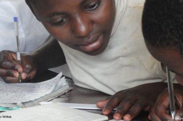 «Près de 10 millions d'élèves risquent de quitter l'école»