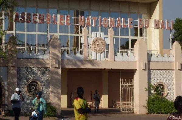 Mali : 31 députés refusent de démissionner