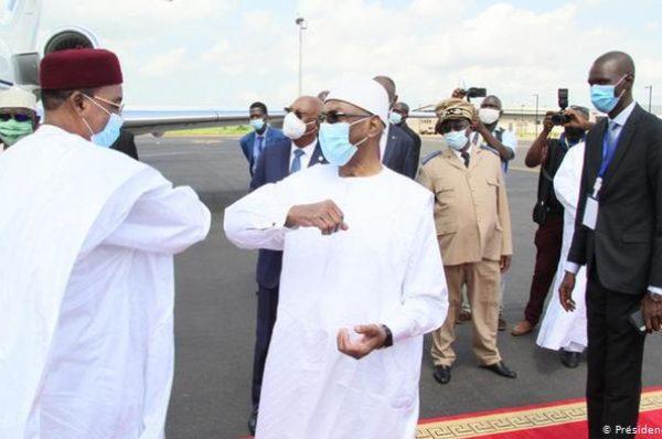 Mali : échec de la médiation des présidents, un sommet de la Cedeao prévu lundi