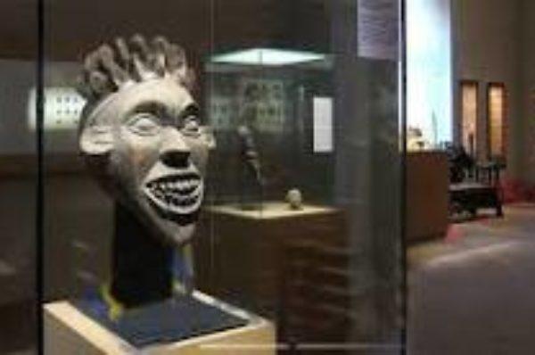 Restitutions d'œuvres d'art à l'Afrique : un premier projet de loi étudié mercredi en conseil des ministres
