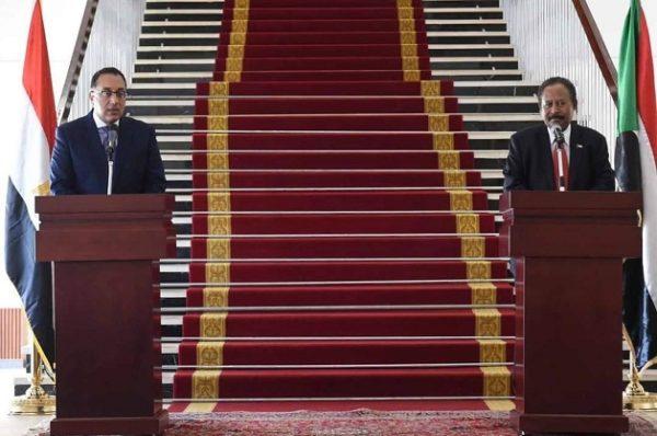 Le Premier ministre égyptien au Soudan pour discuter du barrage de la Renaissance