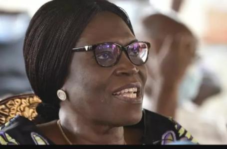 L'ex-première dame de Côte d'Ivoire Simone Gbagbo lors d'une conférence de presse à Abidjan