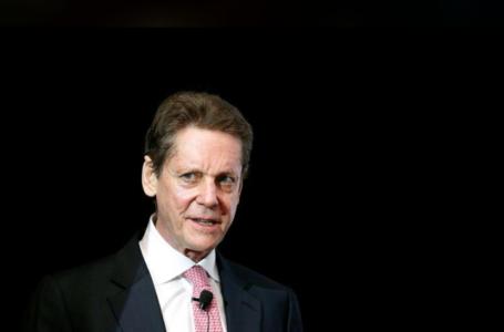 Fondateur et co-président exécutif d'Ivanhoe Mines, Robert Friedland prend la parole lors de la Conférence mondiale sur le cuivre du CRU à Santiago, Chili, le 9 avril 2019. REUTERS / Rodrigo Garrido