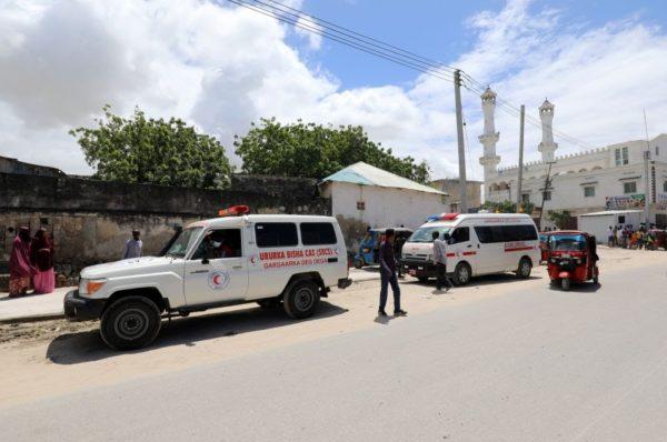 Une explosion secoue une base militaire dans la capitale somalienne, au moins huit morts