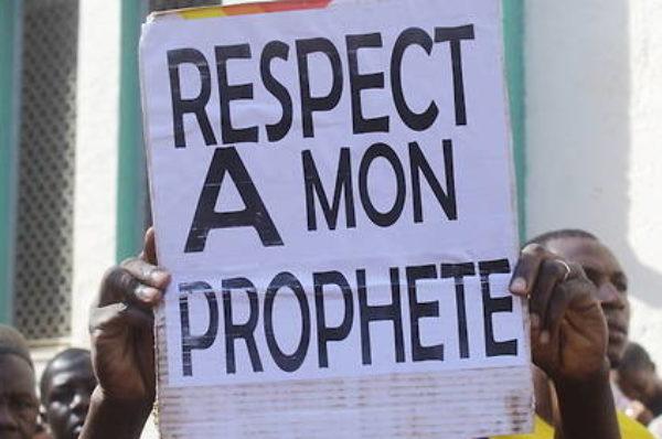 Caricatures de Mahomet : des fidèles maliens exigent des excuses
