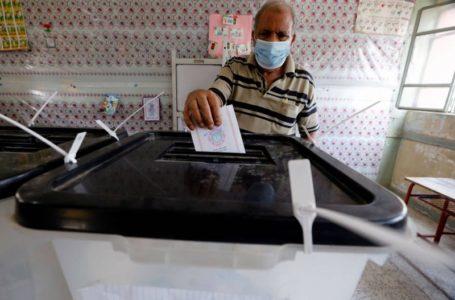 Environ 63 millions d'électeurs sont appelés à renouveler leur Parlement en Égypte samedi. © Mohamed Abd El Ghany, Reuters