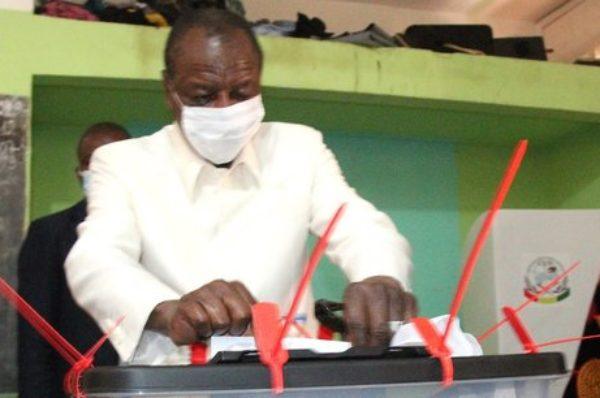Présidentielle en Guinée : le taux de participation au scrutin est estimé à plus de 75%