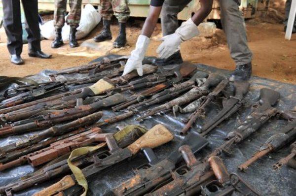 Armes contre pétrole : les affaires louches de Semlex et Gunvor en Côte d'Ivoire